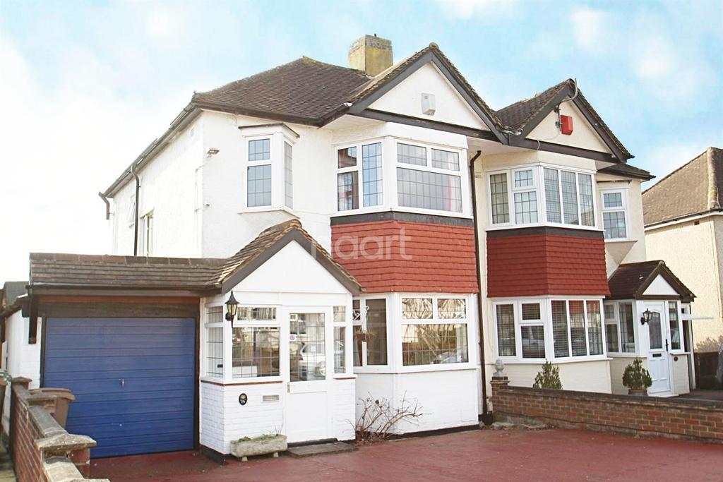 3 Bedrooms Semi Detached House for sale in Amesbury Close, Worcester Park, KT4
