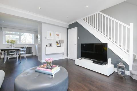2 bedroom flat for sale - Fairby Road, Lee