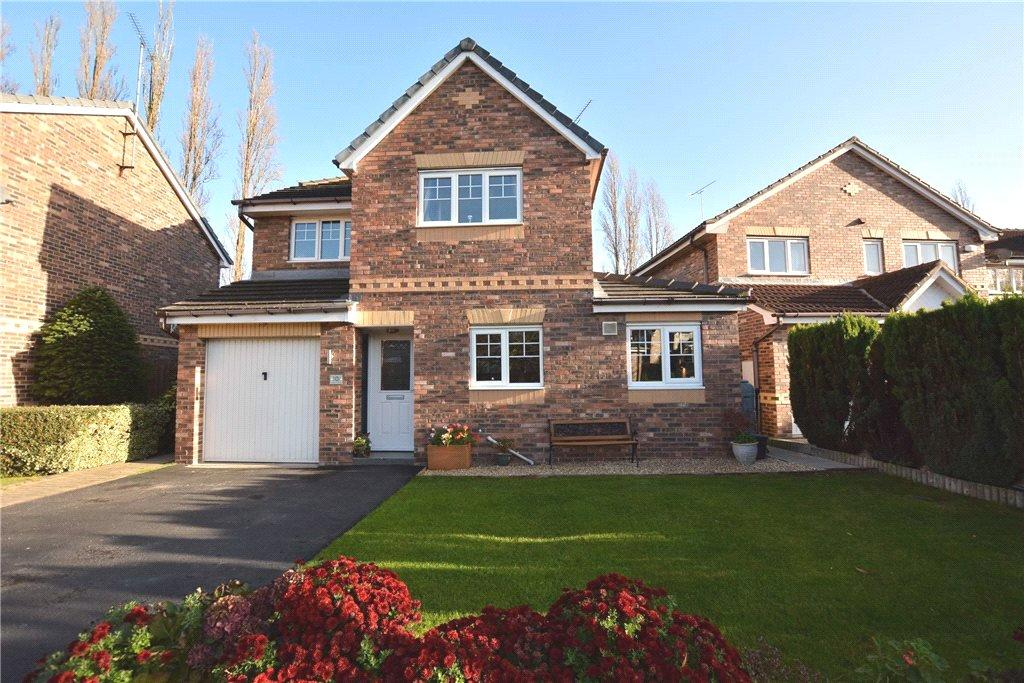 3 Bedrooms Detached House for sale in Gate House Court, Woodlesford, Leeds, West Yorkshire