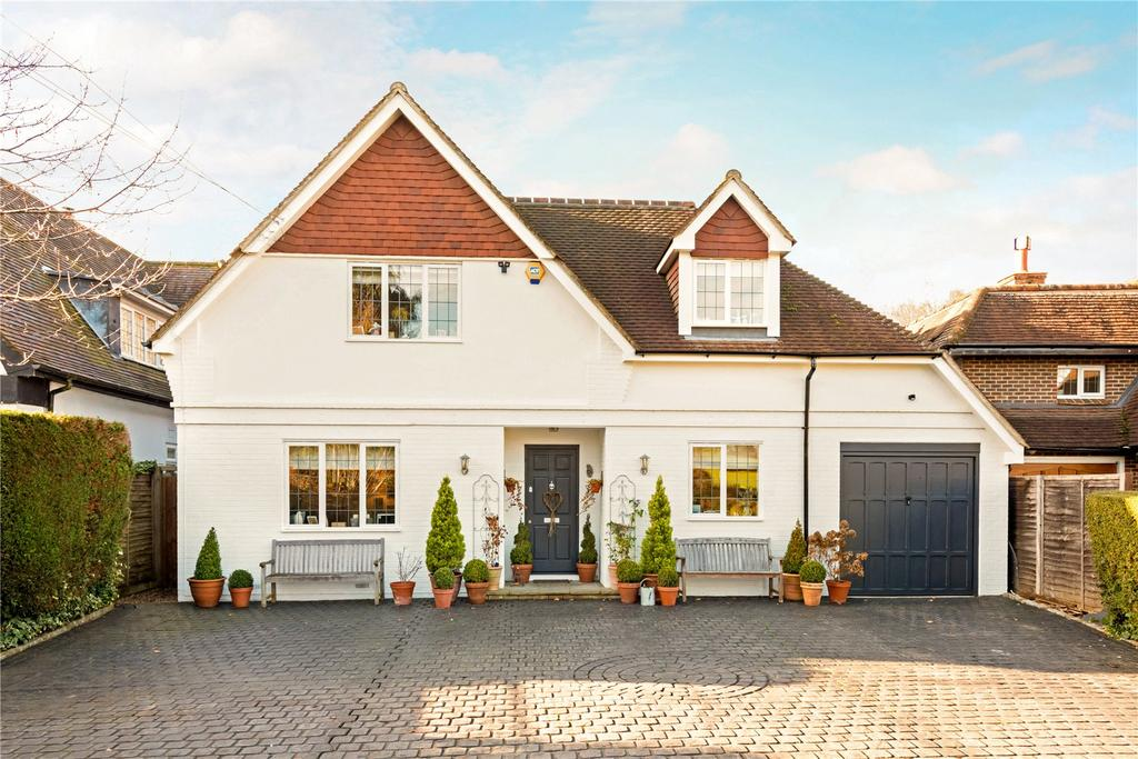 4 Bedrooms Detached House for sale in Blundel Lane, Stoke D'abernon, Cobham, Surrey, KT11