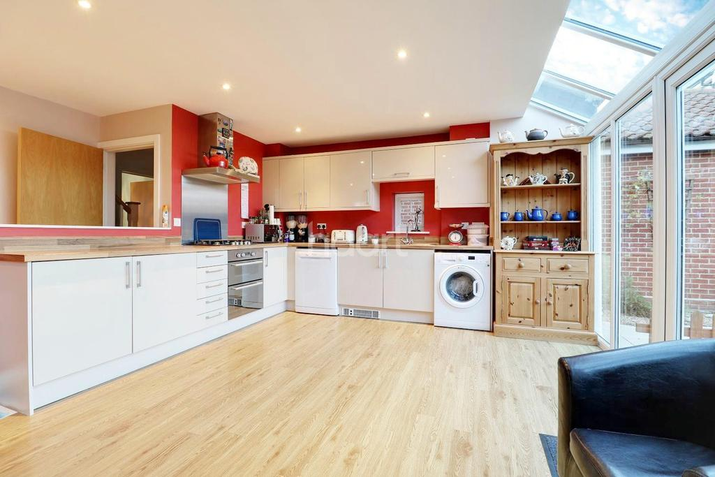 3 Bedrooms Detached House for sale in West Mersea