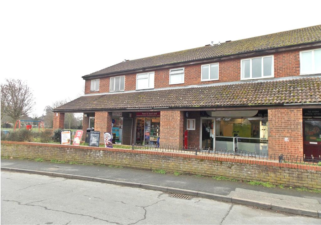 1 Bedroom Apartment Flat for sale in Trimley St Mary, Suffolk IP11