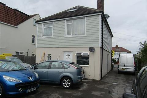 Studio to rent - Writtle Road, Chelmsford