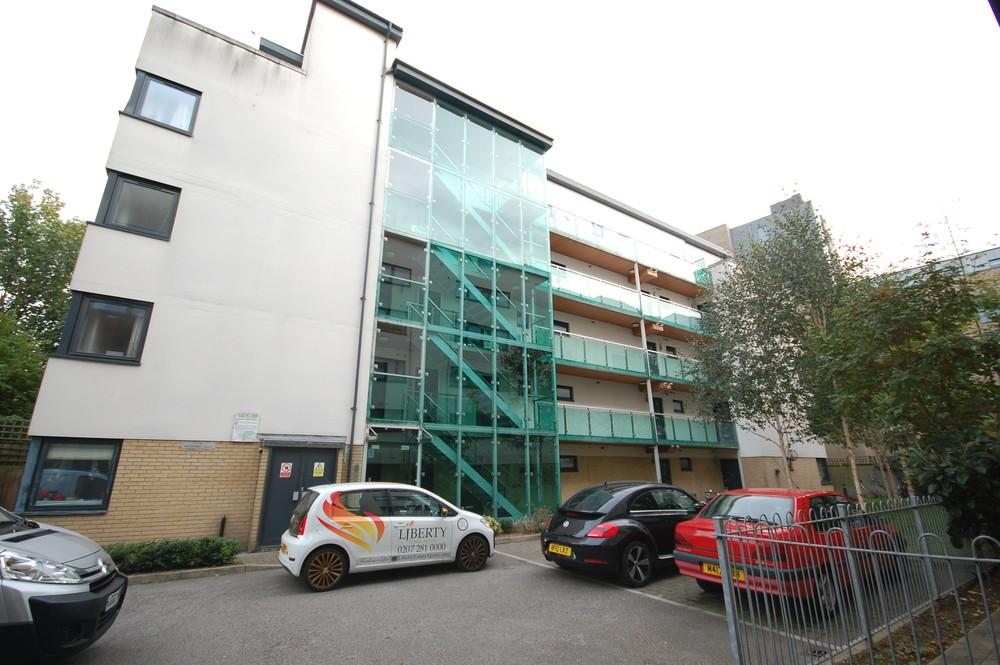 2 Bedrooms Apartment Flat for sale in Watersmeet Place, Green Lanes,, London, London