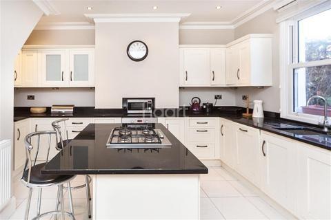3 bedroom detached house to rent - Alston Road, SW17