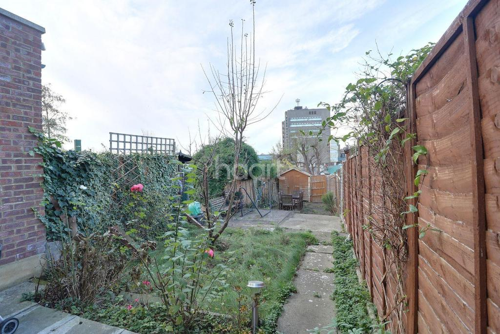 2 Bedrooms Terraced House for sale in Colin Gardens, Colindale