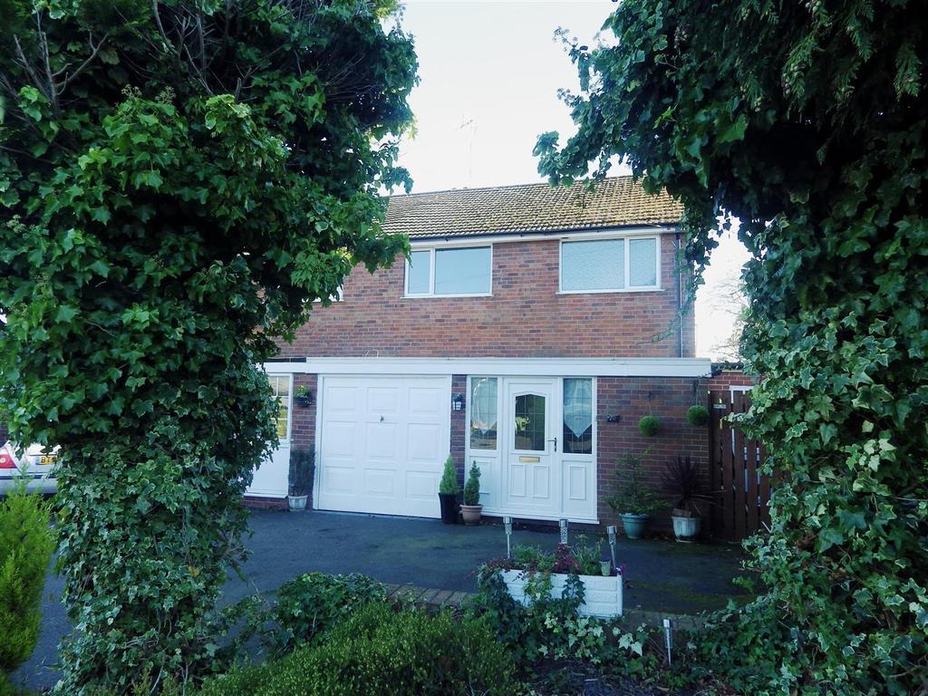 3 Bedrooms Semi Detached House for sale in Bromsgrove Road, Romsley, Halesowen