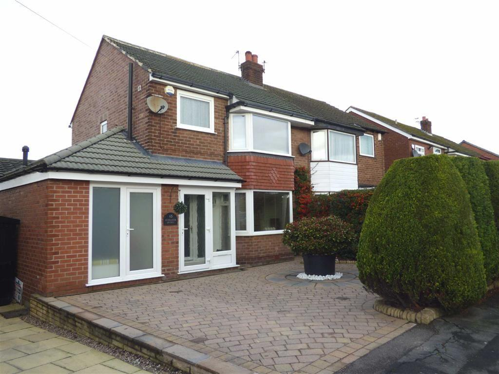 3 Bedrooms Semi Detached House for sale in Newlands Avenue, Cheadle Hulme, Cheshire