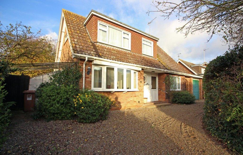 3 Bedrooms Detached House for sale in Mayfield Way, North Walsham
