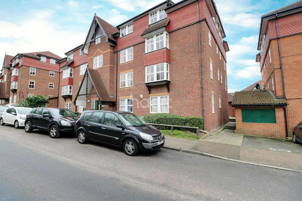 2 Bedrooms Flat for sale in Bow Arrow Lane, Dartford, DA2