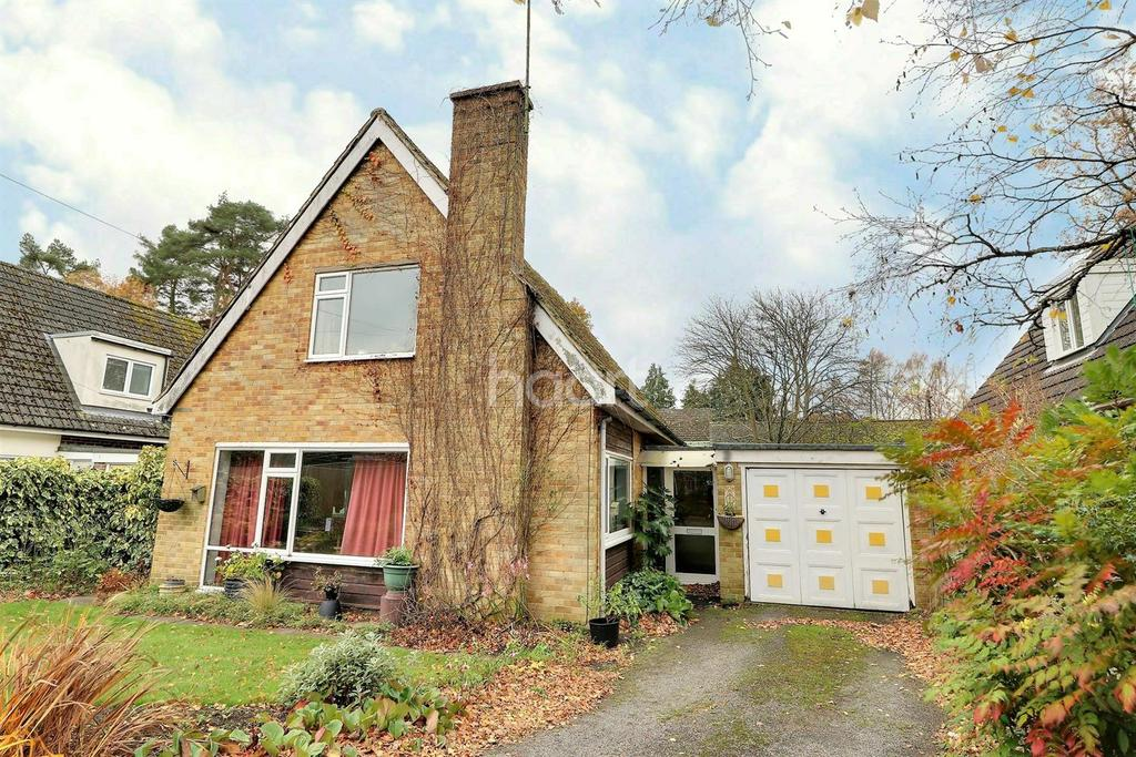 3 Bedrooms Detached House for sale in Eddeys Close, Headley Down