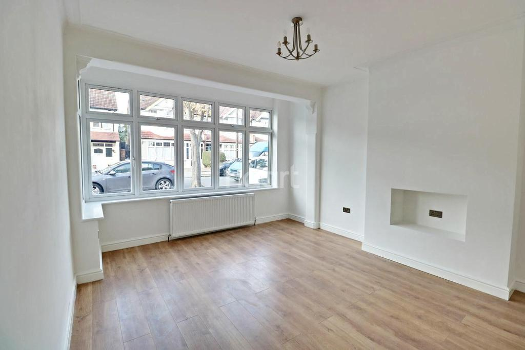 3 Bedrooms Terraced House for sale in Wharfedale Gardens, Thornton Heath, CR7