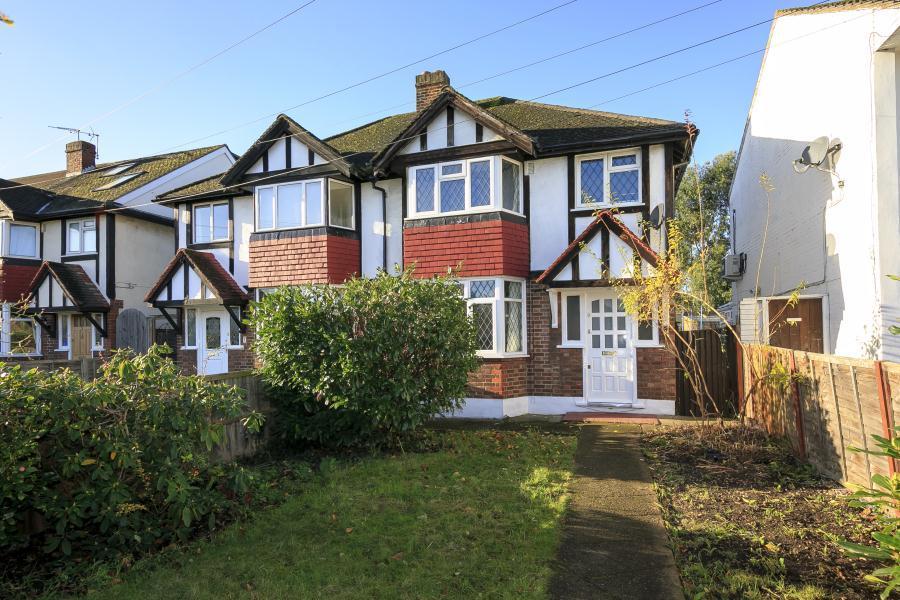 3 Bedrooms Semi Detached House for sale in Bye Ways, Twickenham, TW2