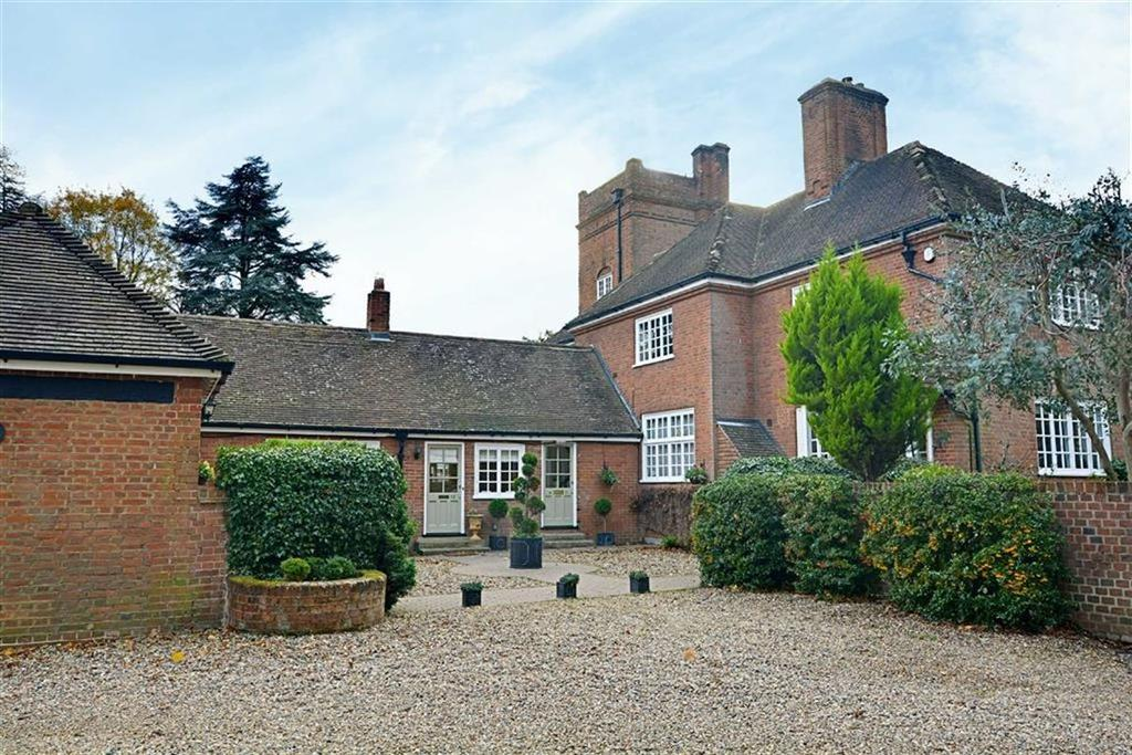 2 Bedrooms Flat for sale in Holwell Court, Nr Cole Green, Hertfordshire, AL9