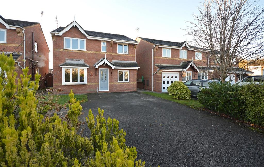 4 Bedrooms Detached House for sale in Elton Road, Ettiley Heath, Sandbach