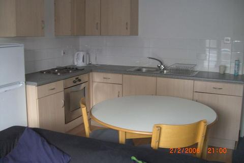 5 bedroom house share to rent - Queen Charlotte Street, City Centre, Bristol, BS1