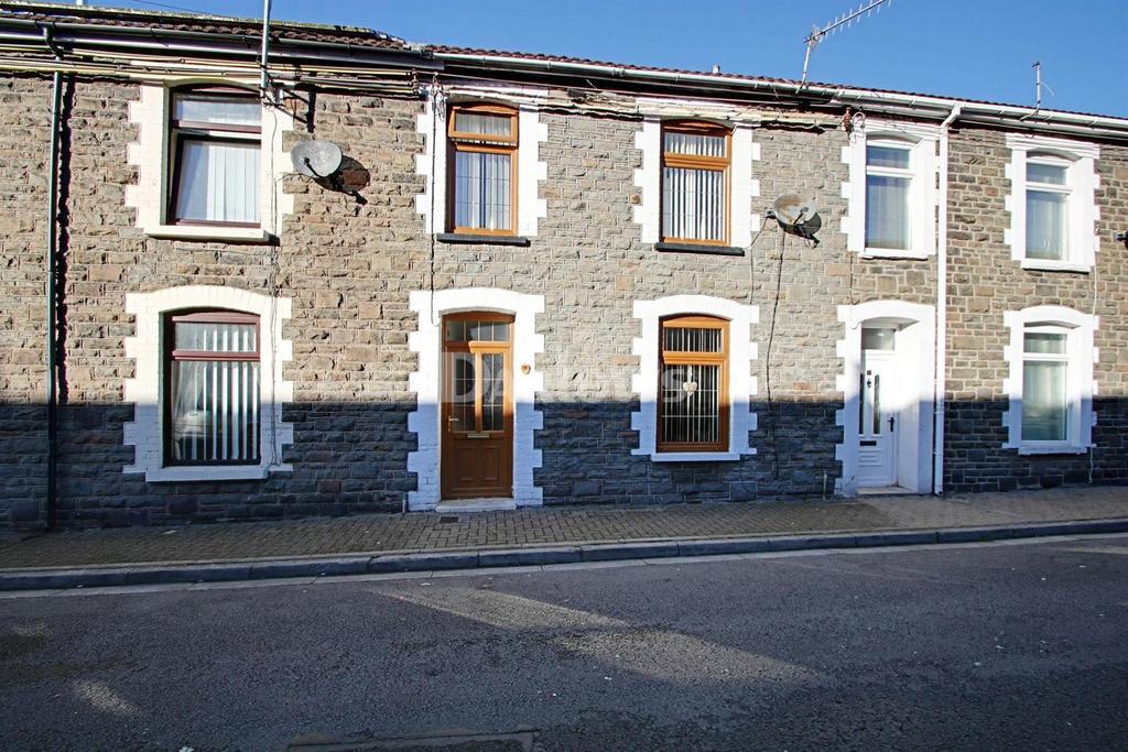 3 Bedrooms Terraced House for sale in Bassett Street, Trallwn