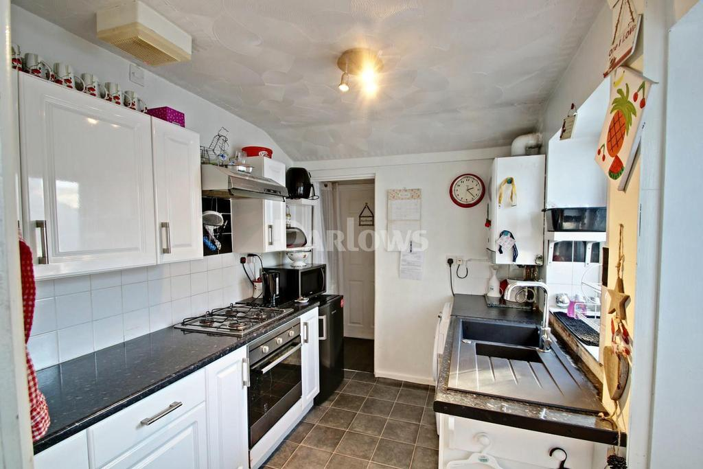 3 Bedrooms Terraced House for sale in Bassett Street, Trallwn