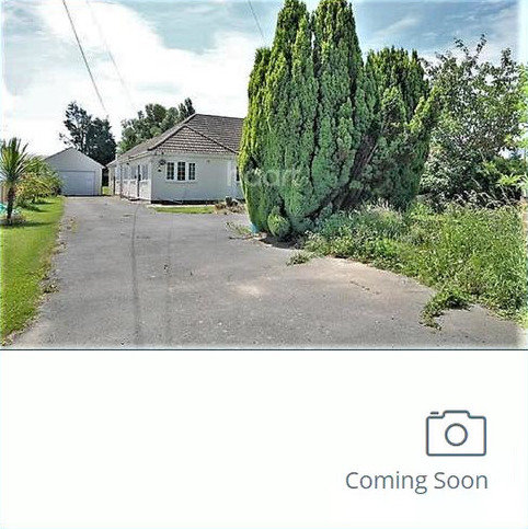 3 bedroom bungalow for sale - Point Clear Road, St Osyth