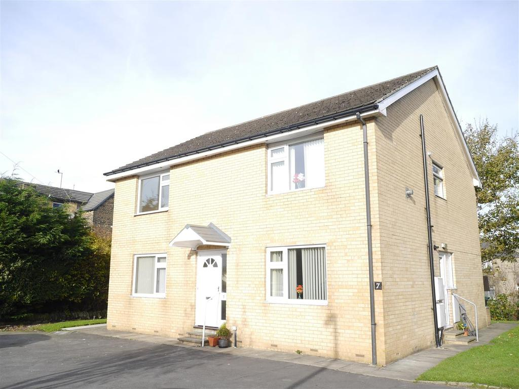 1 Bedroom Apartment Flat for sale in Eccles Court, Eccleshill, Bradford, BD2 3BG