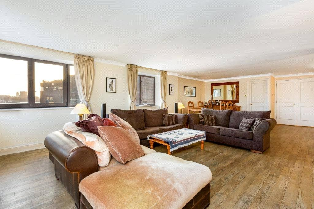 3 Bedrooms Flat for sale in Cumberland Mills Square, Canary Wharf, London, E14