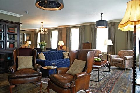 2 bedroom flat to rent - Queen Street, Mayfair, London, W1J
