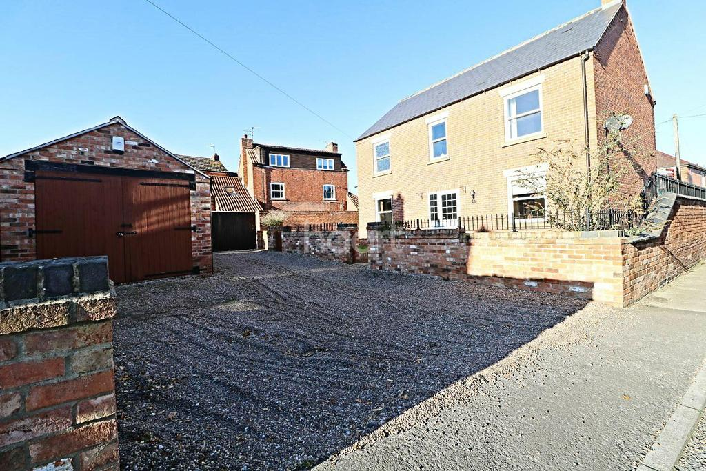 4 Bedrooms Detached House for sale in Main Street, Balderton