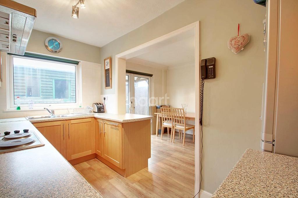 3 Bedrooms Terraced House for sale in Hullbridge, Hockley