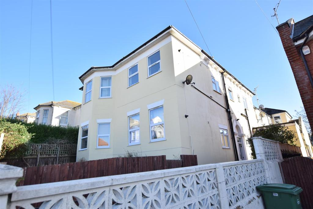 1 Bedroom Flat for sale in Ashburnham Road, Hastings