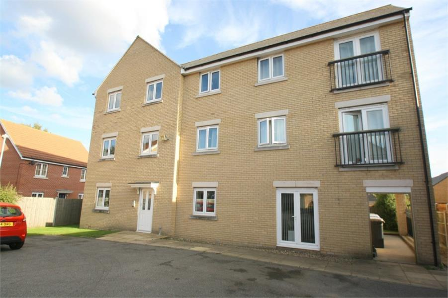 2 Bedrooms Flat for sale in Great Cornard, SUDBURY, Suffolk