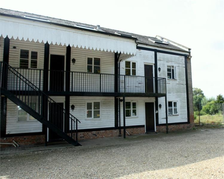 2 Bedrooms Maisonette Flat for sale in The Sidings, Lower Road, Glemsford, Suffolk