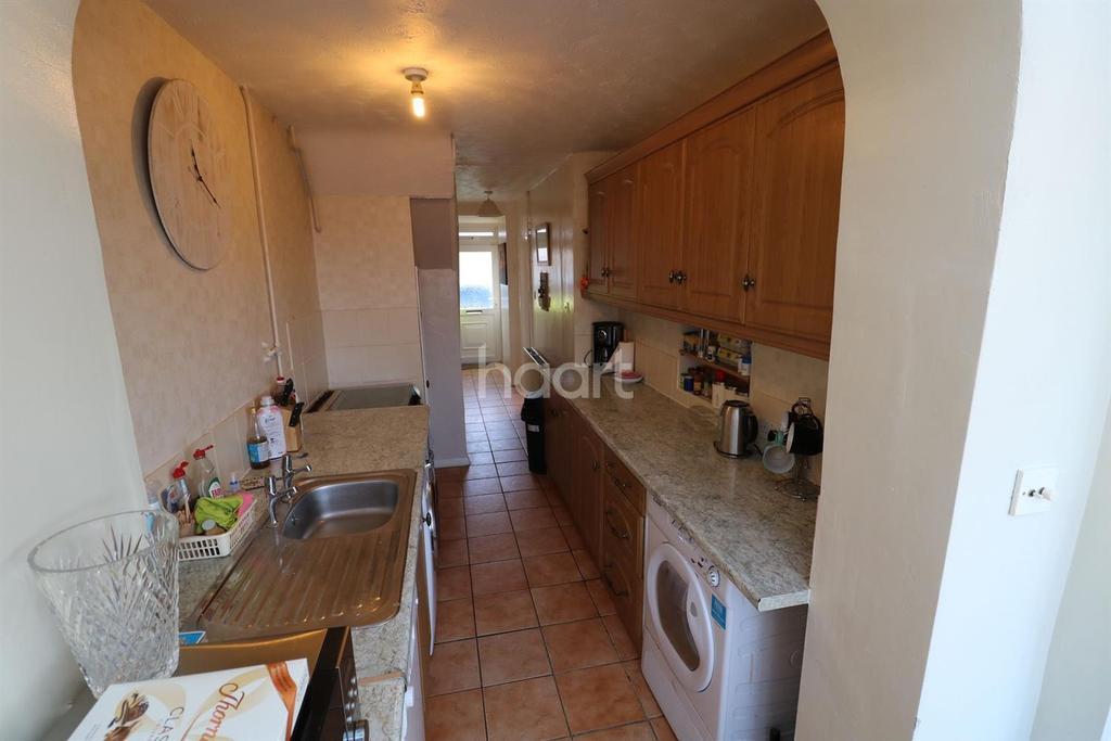 3 Bedrooms Terraced House for sale in Calbroke Road