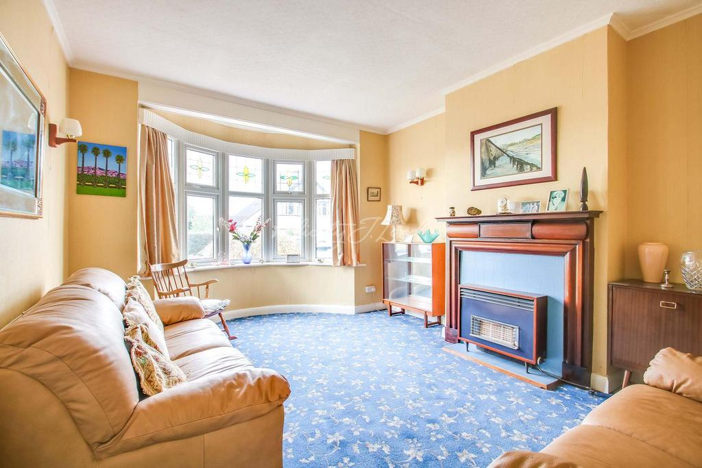 3 Bedrooms Semi Detached House for sale in Mayday Gardens , Blackheath SE3