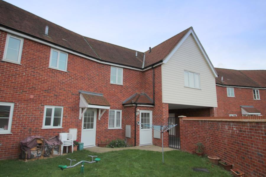2 Bedrooms Flat for sale in West Colchester, Essex