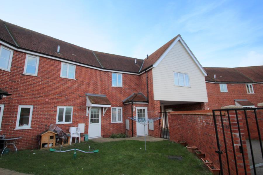 2 Bedrooms Flat for sale in Mayflower Court, Collingwood Road, Colchester, Essex