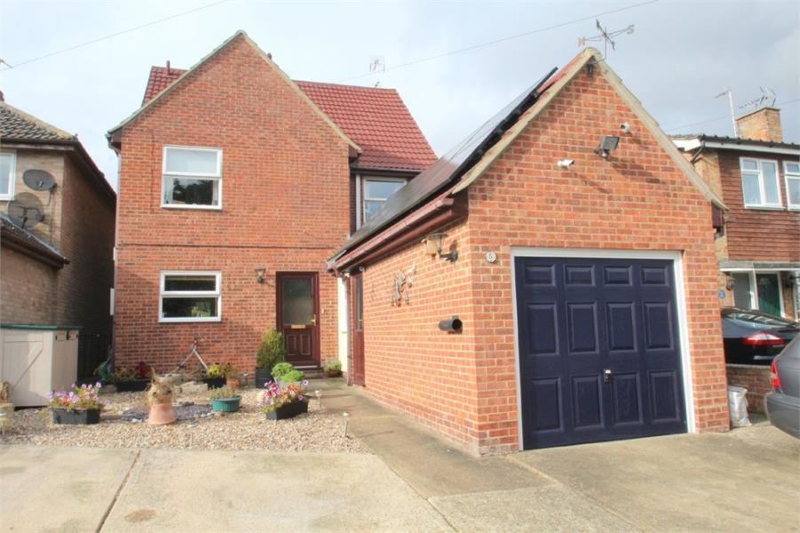 4 Bedrooms Detached House for sale in Churchwell Avenue, Easthorpe, Colchester, Essex