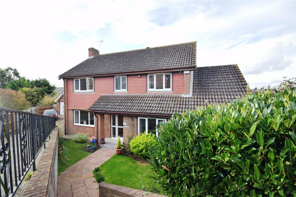 5 Bedrooms Detached House for sale in Barleymow Close, Walderslade, Kent
