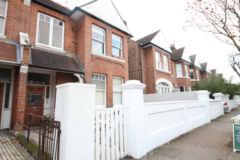1 bedroom flat to rent - Clarendon Drive, London