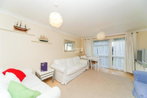 2 bedroom end of terrace house to rent - Fearnley Crescent TW12
