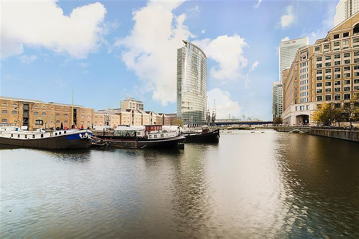 3 Bedrooms Flat for rent in No. 1 West India Quay, Hertsmere Road, Nr Canary Wharf, Docklands, London, E14