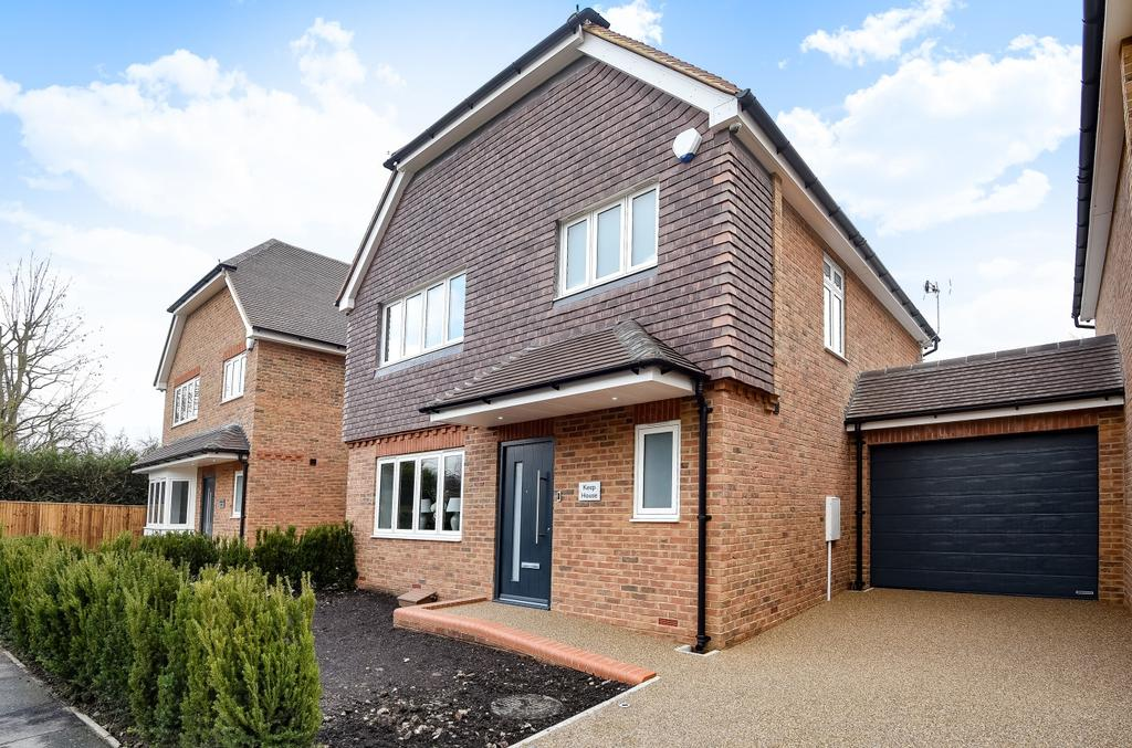 4 Bedrooms Detached House for sale in Tower Close Orpington BR6
