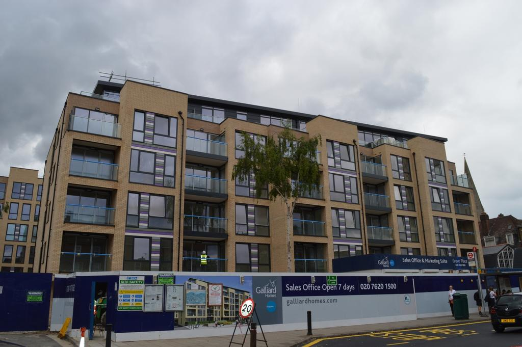 1 Bedroom Flat for sale in Grove Place Eltham SE9