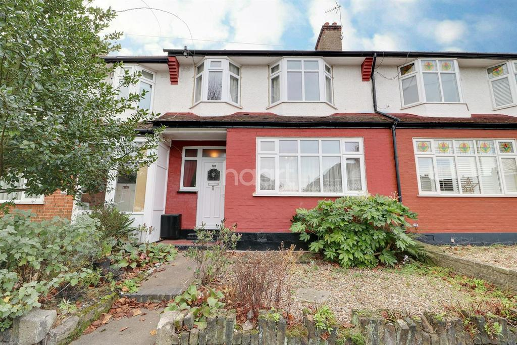 3 Bedrooms Terraced House for sale in First Avenue, Enfield, EN1