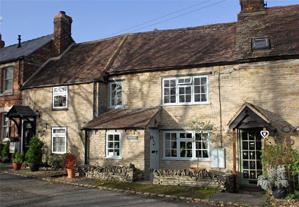 2 Bedrooms Terraced House for sale in West Side, North Littleton, Evesham, Worcestershire, WR11