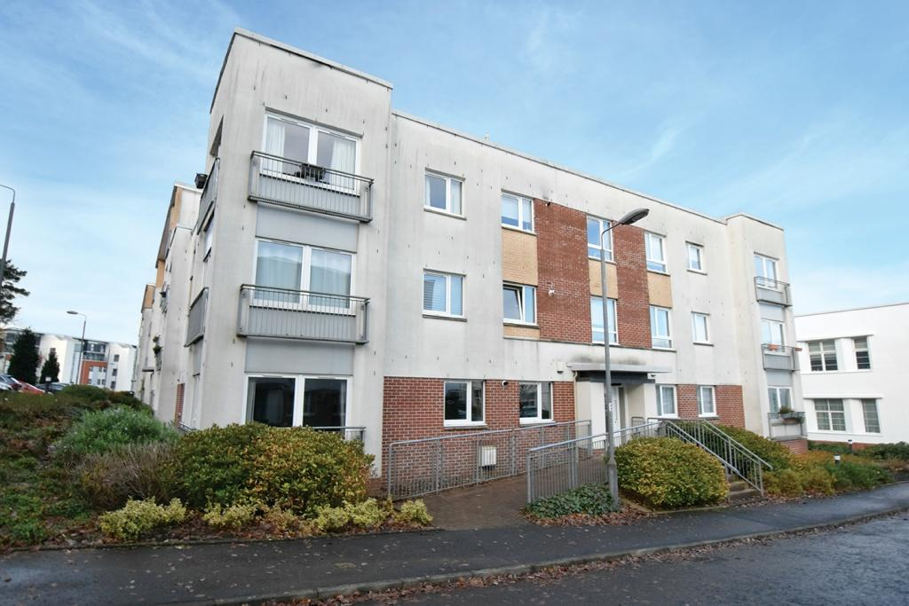 2 Bedrooms Flat for sale in 18 Cairnhill View, Bearsden, G61 1RP
