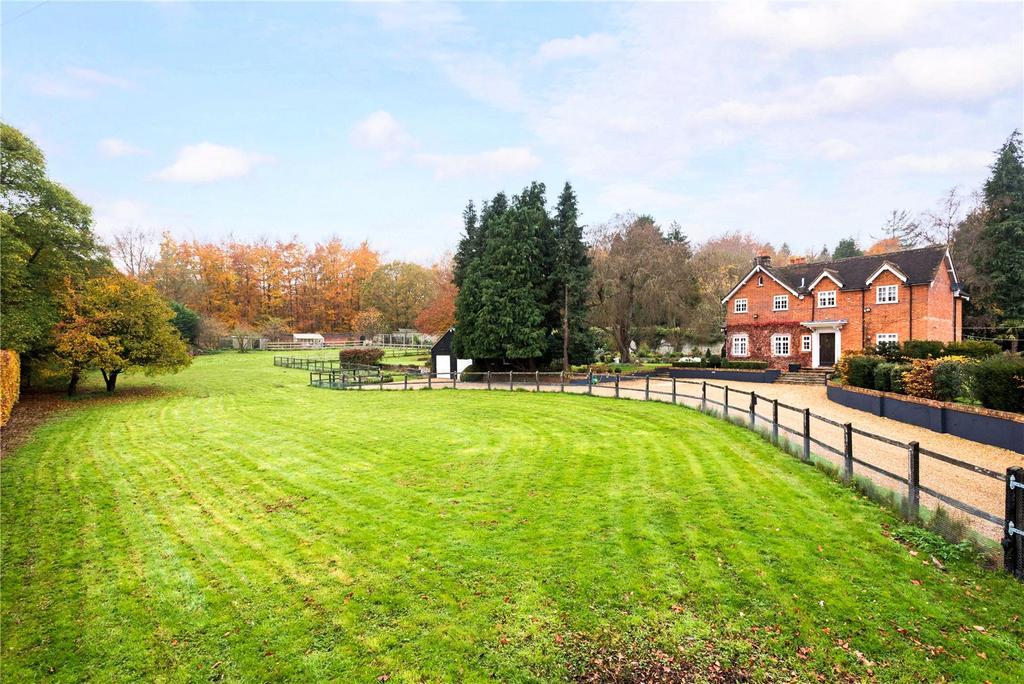4 Bedrooms Equestrian Facility Character Property for sale in Titness Park, Sunninghill, Ascot