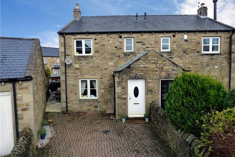 3 bedroom semi-detached house for sale - Penfold Court, Hellifield, Skipton, North Yorkshire