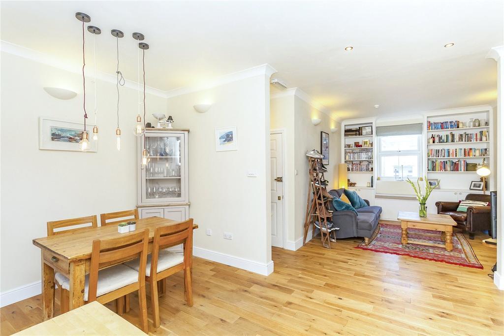 2 Bedrooms Flat for sale in Lough Road, London, N7