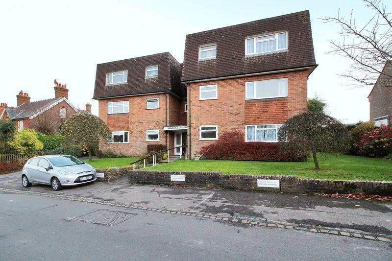 2 Bedrooms Apartment Flat for sale in Pilmer Road, Crowborough, East Sussex
