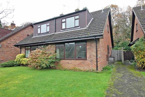 3 bedroom bungalow to rent - Cuckoo Hill Way, Bransgore, Christchurch